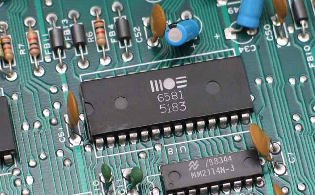 鑫诺捷拥有丰富的元器件采购经验,跟众多品牌供应商拥有长达10年的合作关系。公司充分发挥规模采购和质量控制方面的竞争优势,同国内外及全球多家电子元器件厂商签订长期合作协议,确保原材料来源的品质和稳定的供货,将优惠转移至客户,长期保持IC、电阻、电容、电感、二三极管等元器件的采购优势,从上游保证PCBA制造的质量。从另外一个方面,能极大地节约客户的库存成本,提升生产的周转效率,节省时间。我们选用顶级的原材料供应商,电阻电容与厚生,风华,三星,国巨等知名厂商长期合作,IC类的与TI,NXP,CJ,TOSHIBA